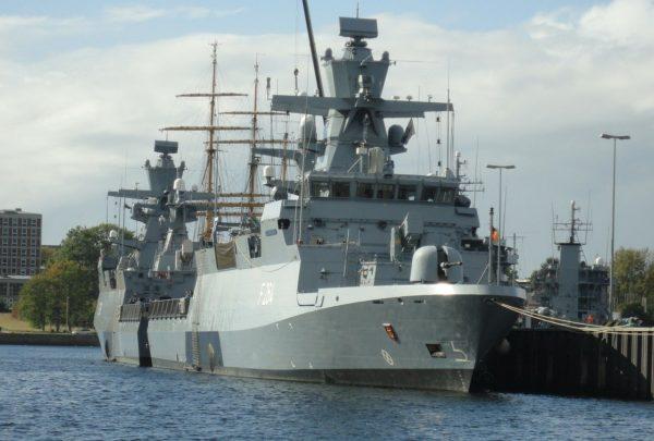 Militär gehört nicht auf die Kieler Woche!