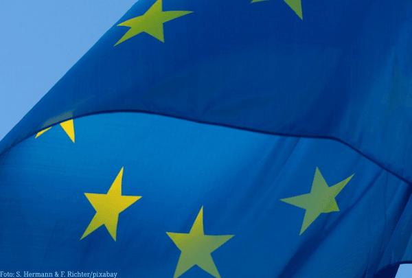 Hunderte Minderjährige sitzen in europäischer Enklave fest.